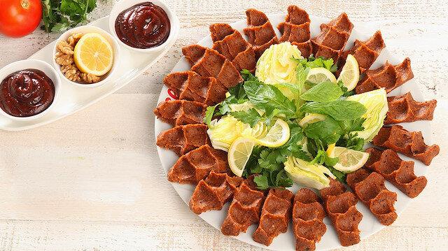 Etli ve etsiz çiğ köfte tarifi: Etli ve etsiz çiğ köfte nasıl yapılır?