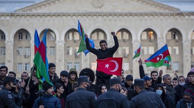 Bakan Akar'dan Azerbaycan mesajı: Verdiği haklı mücadeleyi alnının akıyla sonlandıran kardeşlerimizin zaferini kutluyoruz