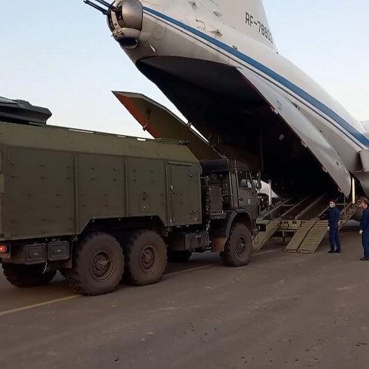 Dağlık Karabağda görev yapacak Rus Barış Gücünün bölgeye sevkiyatı sürüyor