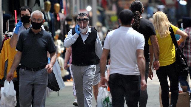 İzmir'de sokakta sigara içmek yasaklandı