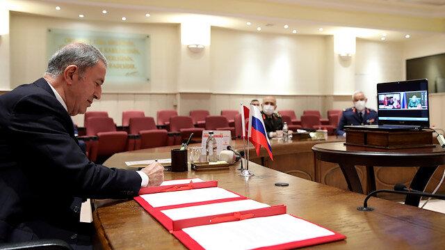Bakan Akar ve Rusya Savunma Bakanı Şoygu gözlem merkezi mutabakatını imzaladı