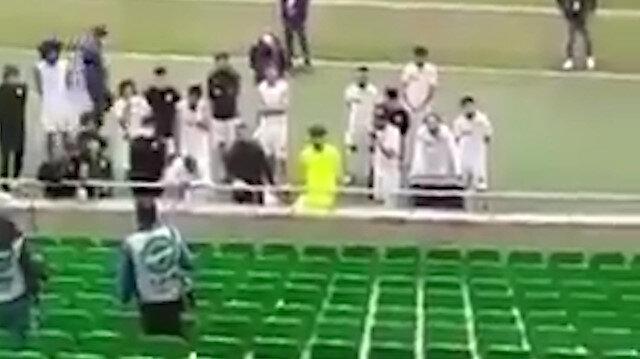 Sakaryasporlu taraftarlardan oyunculara tepki: Çıkarın formaları