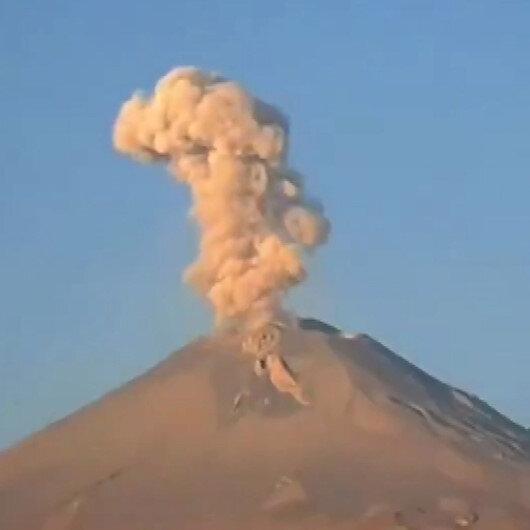 Meksikadaki Popocatépetl Yanardağının patlama anı kamerada