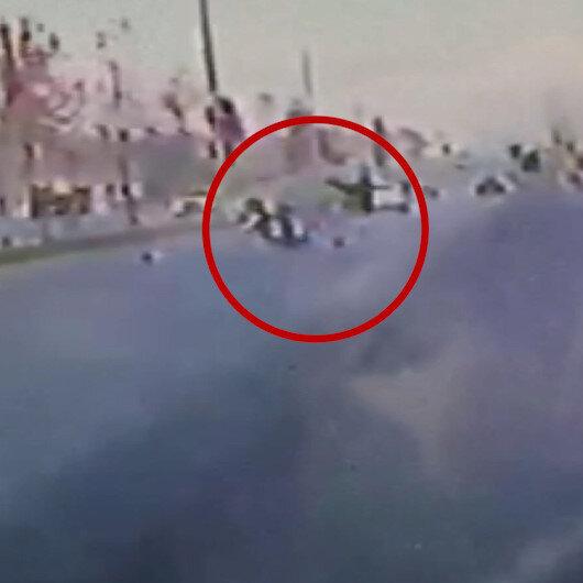 Denizlide feci kaza: Süratli olduğu iddia edilen motosikletin çarptığı kadın metrelerce ileri fırladı