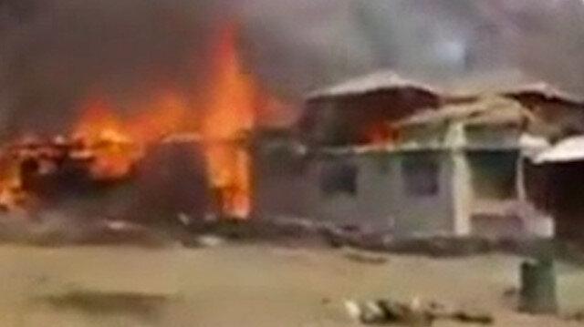 Hindistan Keşmir'de yerleşim yerlerine saldırdı