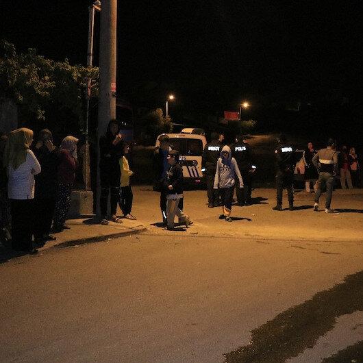 Adanada kalabalığın yangını izlemesine koronavirüs engel olamadı