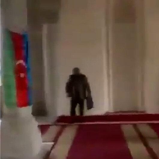 Şuşada 27 sene sonra ilk namazı kılan Azerbaycan askeri: Allah'ıma hamdolsun bugünleri gösterdiği için