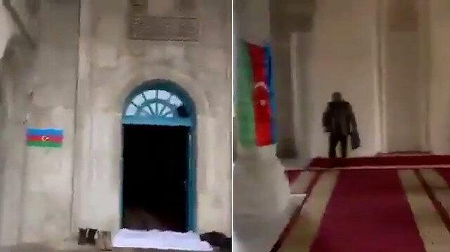 Şuşa'da 27 sene sonra ilk namazı kılan Azerbaycan askeri: Allah'ıma hamdolsun bugünleri gösterdiği için