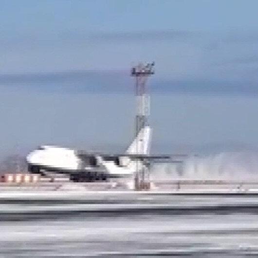 Rusyada acil iniş yapan 15 tonluk uçak iniş sırasında kontrolden çıktı: Sürüklenen uçak kullanılamaz hale geldi
