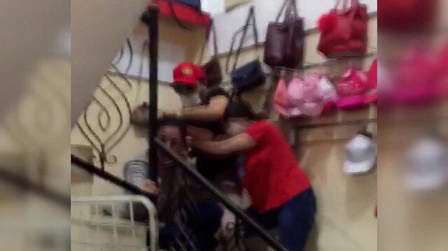 Kayseri'de eşinin boğazını kesip eşarpla boğmaya çalışan kocanın görüntüleri ortaya çıktı: 'Kasti yapmadım' dedi
