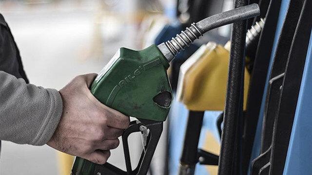 Benzinin litre fiyatında 32 kuruşluk indirime gidildi
