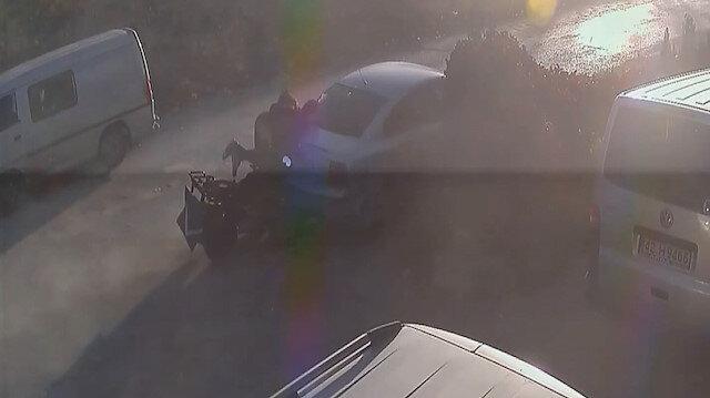 Park halindeki araca çarpıp havalanan sürücü çarpmanın etkisiyle geri sekip ATV'nin üzerine oturdu