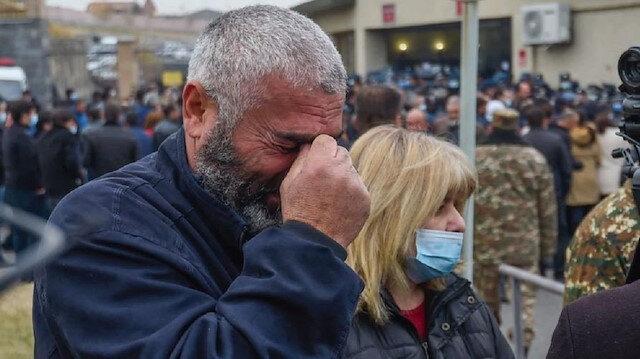 Ermenistan'da asker aileleri Savunma Bakanlığı'nı bastı: Çocuklarımız nerede?