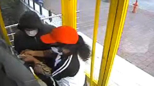 ATM'lere kart kopyalama aparatı yerleştiren zanlılar kıskıvrak yakalandı