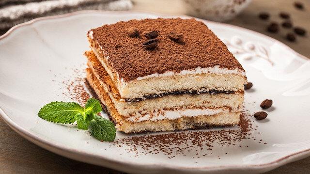 Kelime anlamı 'beni neşelendir' olan İtalyan tatlısı: Tiramisu