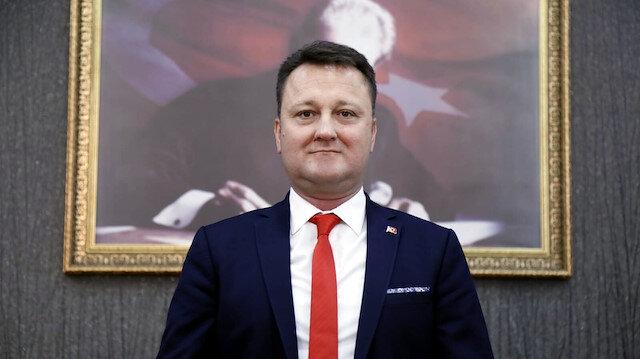 Hakkında terör soruşturması olan Menemen Belediye Başkanı Serdar Aksoy CHP'den istifa etti