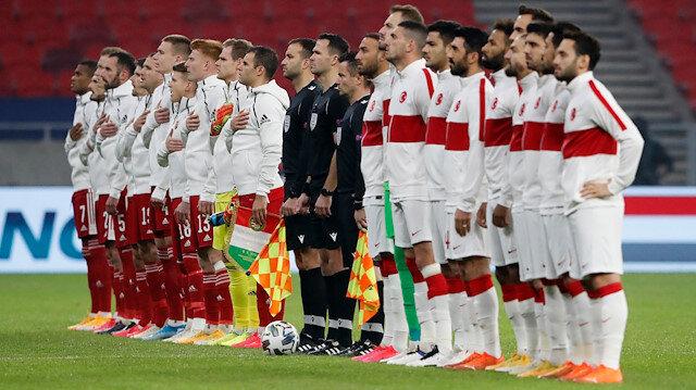 Galatasaray Macaristan-Türkiye maçında onu takip etti