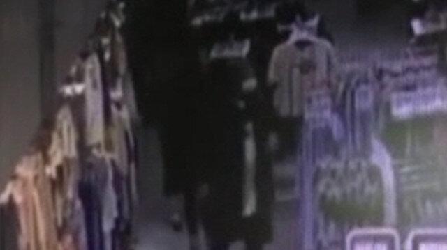 Küçük çocuklara yankesicilik yaptıran iki kadın yakalandı, suç kayıtları hayrete düşürdü