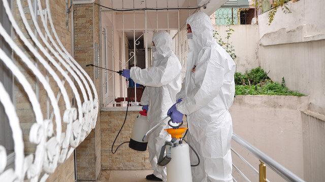 Fatih'te koronavirüs vakası görülen binalar dezenfekte edildi