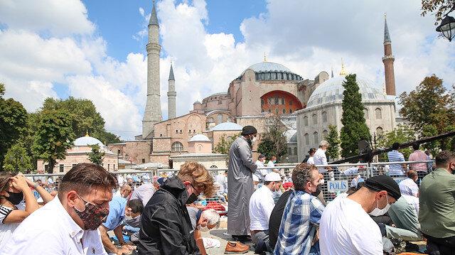 İstanbul'da cuma namazı saat kaçta?