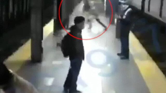 ABD'de kan donduran olay: metro istasyonunda tren bekleyen kadını raylara itti