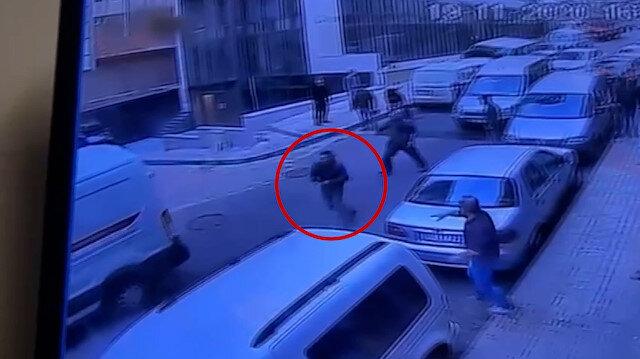 İstanbulda kendine çarpan sürücüye kurşun yağdırdı