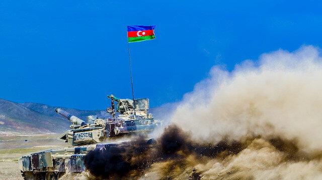 Azerbaycan ordusu, 27 yıldır işgal altında olan Ağdam'a girdi