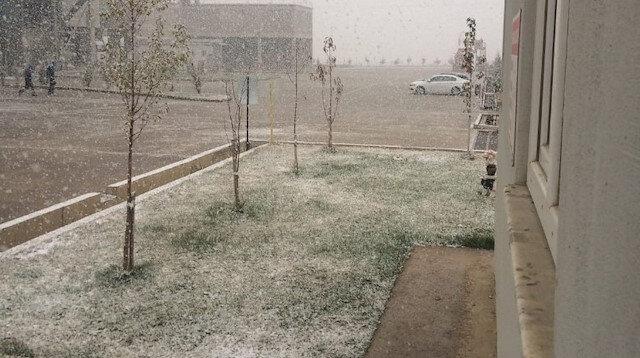 Ankara'da mevsimin ilk karı yağdı