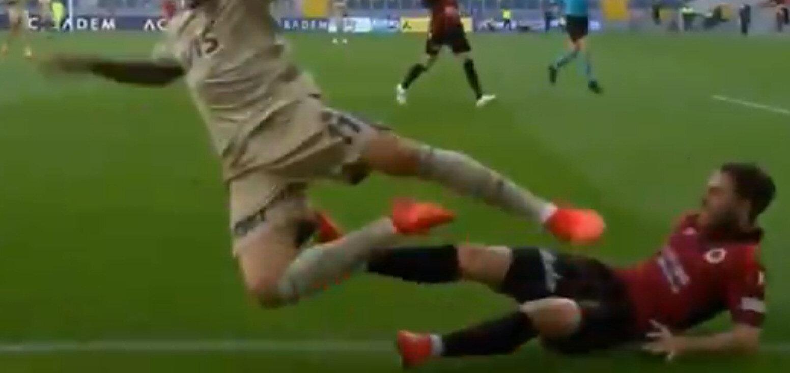 Penaltı pozisyonu: Sosyal medyada Perotti'nin kendisini yere attığı yönünde yorumlar yapıldı. (Görüntü beIN Sports'tan alınmıştır)