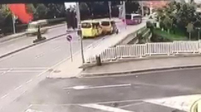 Yolcu indiren minibüse arkadan gelen bir başka minibüs çarptı: 4 yaralı
