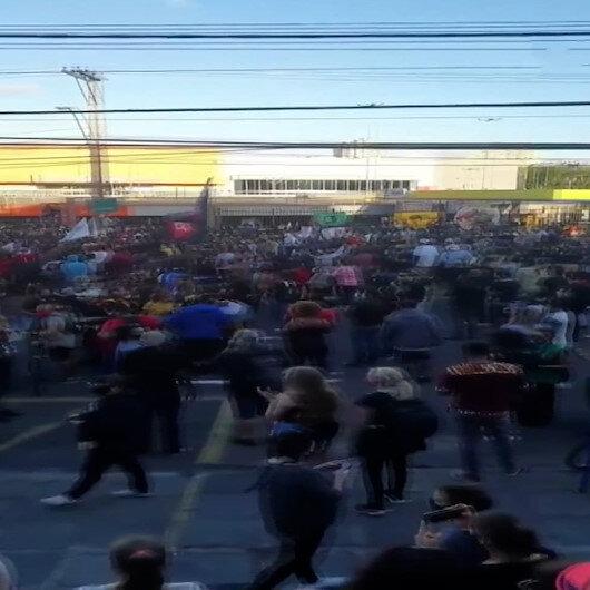 Brezilyada siyahi adamın döve döve öldürülmesi protestoların fitilini ateşledi: Marketler yağmalandı