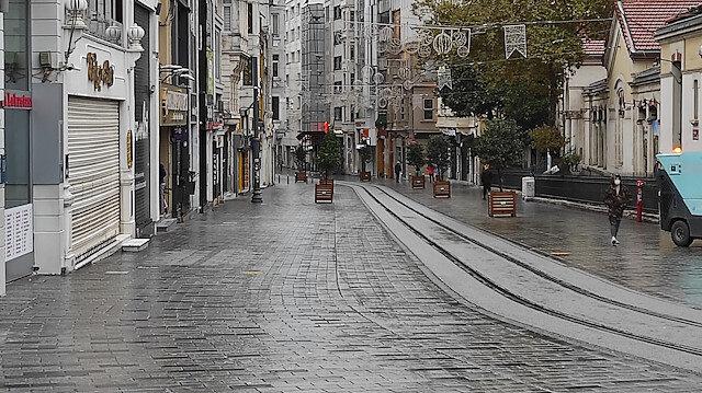 Sokağa çıkma yasağında meydanlar sessizliğe büründü: Yollar boş kaldı