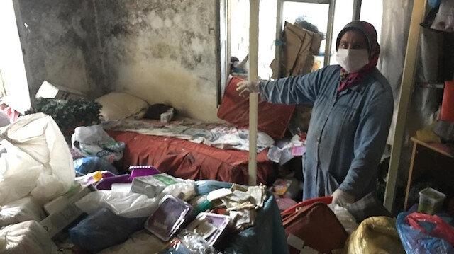 Adana'da dört yıldır dışarı çıkmayan kadının yaşadığı 'çöp ev' görenleri hayrete düşürdü
