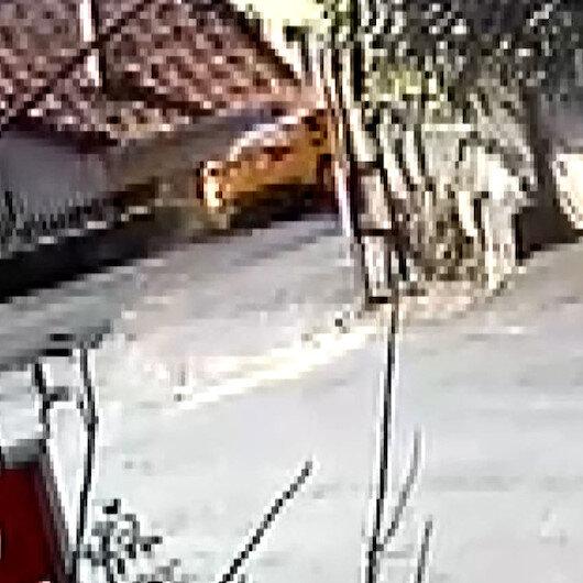 Sarıyerde kontrolden çıkan ticari taksi evin bahçesine daldı