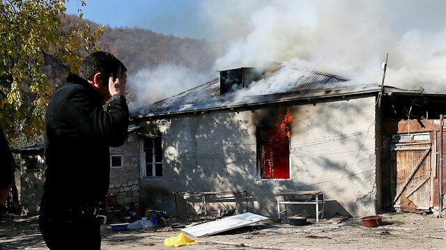 Karabağ'ı tahliye eden Ermeniler Nikol Paşinyan'a nefret kustu: Umarım bir köpek gibi ölür!