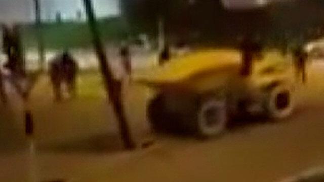 Fransa'da bir grup çaldıkları iş makinası ile güvenlik kameralarını yıktı