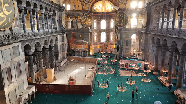 İstanbul Valisi Ali Yerlikaya duyurdu: Ayasofya Camii'ndeki iskeleler kaldırıldı