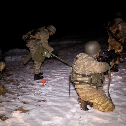 Azerbaycan ordusu 27 yıldır işgal altında bulunan Kelbecere girdi
