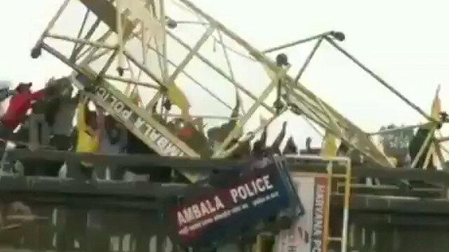 Çiftçiler sokağa indi, Hindistan karıştı