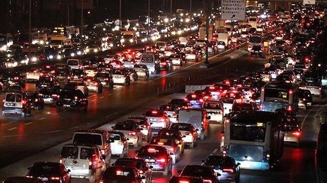 İstanbul'da akşam trafiği: Yoğunluk yüzde altmışı geçti