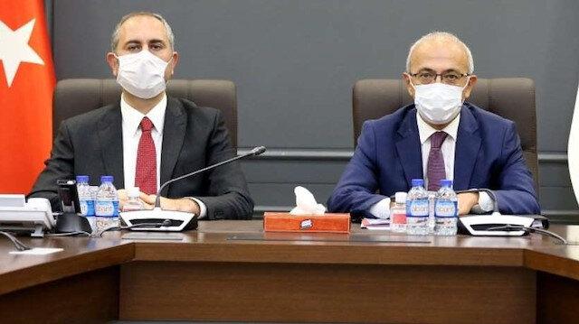 Hazine ve Maliye Bakanı Elvan ve Adalet Bakanı Gül iş dünyası ile bir araya geliyor