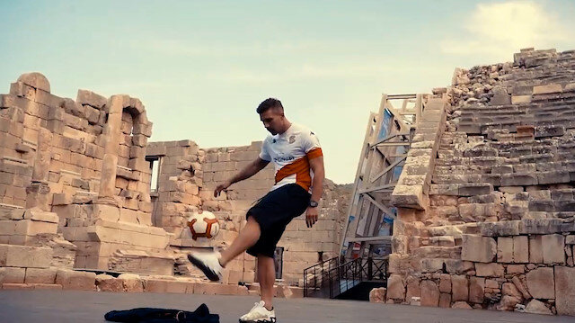 Yıldız futbolcu Podolskinin yer aldığı Patara tanıtım videosu beğeni topladı