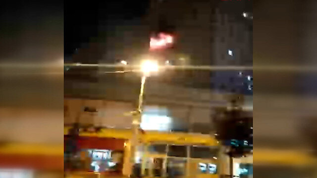 Esenyurt'ta 30 katlı binada yangın çıktı: Yüzlerce kişi tahliye edildi