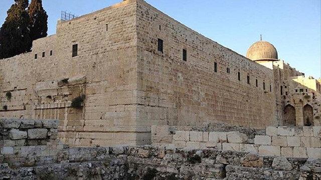 İsrail, Mescid-i Aksa'ya ulaştıran tarihi merdiveni yıktı