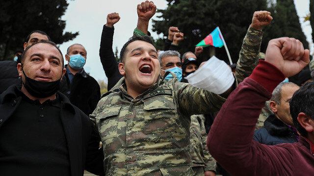 Azerbaycan'da halk Laçın'ın işgalden kurtarılmasını kutluyor: Ağlayarak ayrıldık gururla dönüyoruz