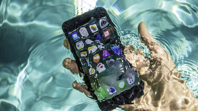 Apple, kullanıcıları yanılttığı için 10 milyon euro para cezasına çarptırıldı