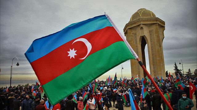 Ermenistan'ın 28 yıl işgal altında tuttuğu Laçın Azerbaycanlılara teslim edildi