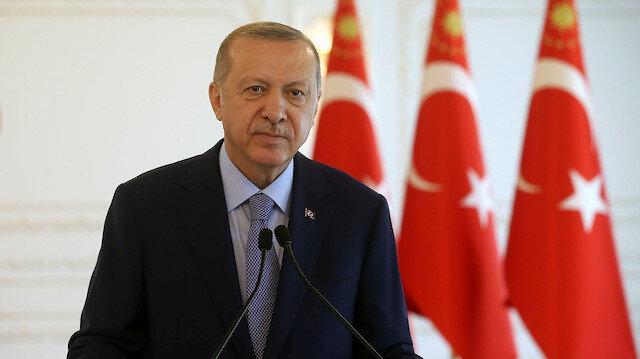 Cumhurbaşkanı Erdoğan, aşı çalışmalarında çığır açan iki Türk doktoru tebrik etti