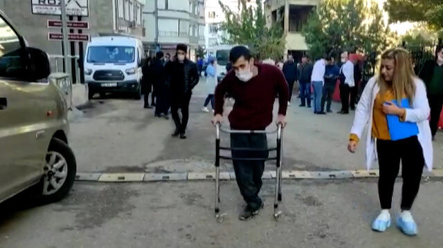 Siirt'te 5 büyüklüğünde deprem: Engelli vatandaş panikle kendisini dışarı attı