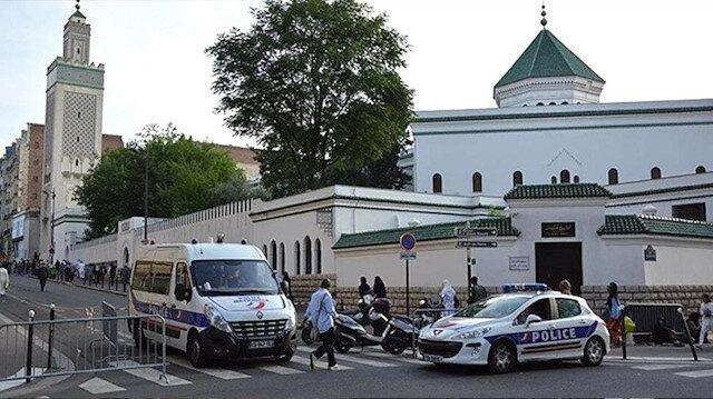 Fransa camileri kapatmaya hazırlanıyor